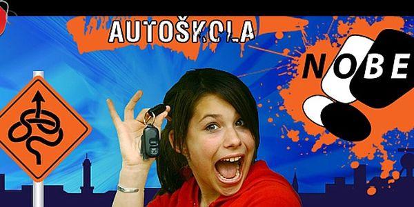 Kompletní KURZ AUTOŠKOLY - 28 hodin praxe jízdy + 10 hodin teorie + výuka zdravotní přípravy jen za 5 880 Kč! Získejte ŘIDIČSKÉ OPRÁVNĚNÍ sk. B v prestižní autoškole NOBE, jedničce mezi autoškolami v celém kraji!
