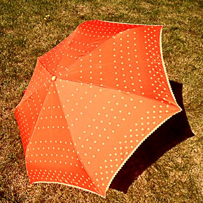 Dámský oranžový puntíkatý deštník Alvarez Romanelli