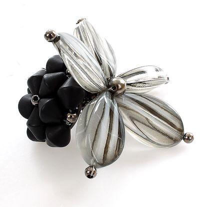 Dámská květinová brož Max Mara