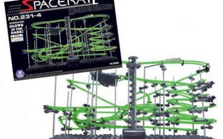 Svítící kuličková dráha SpaceRail level 4. Obří stavebnice pro malé i velké.