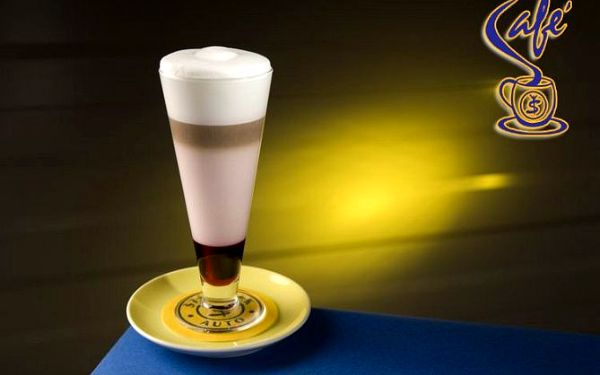 Latte macchiato s vaší oblíbenou příchutí