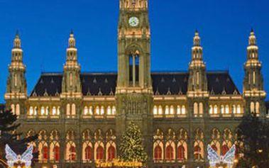 Jednodenní zájezd pro jednu osobu na ADVENTNÍ TRHY do Vídně! Těšte se na prohlídku města s průvodcem & kouzelné předvánoční trhy