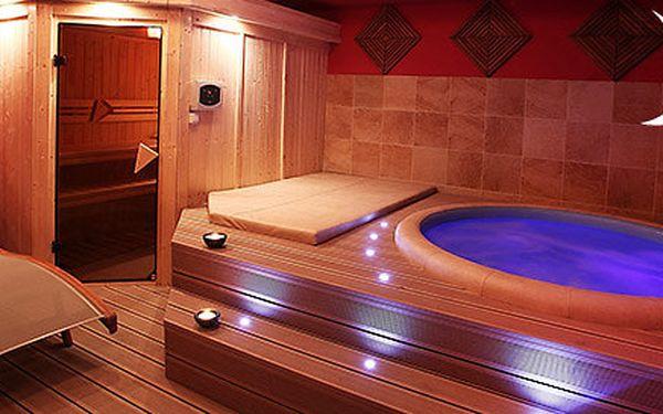 2 hodiny privátní sauny s vířivkou pro dva