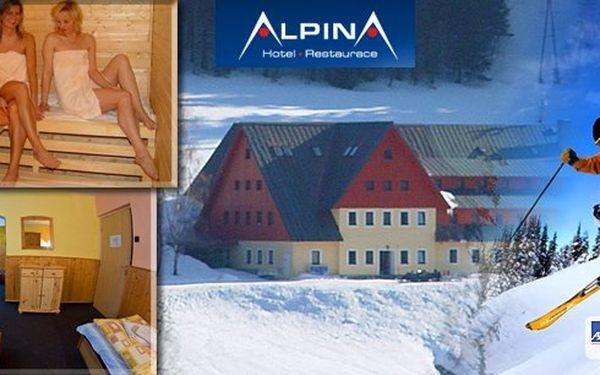 3 nebo 5 dní v hotelu Alpina*** Špindlerův Mlýn pro dvě osoby s polopenzí, obědovými balíčky a saunou jen 100 metrů od lanovky Hromovka. Užijte si barevný podzim na horách
