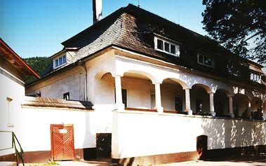 3-dňový pobyt pre dvoch s polpenziou v barokovom kaštieli v malebnej obci Čičmany len za 59€