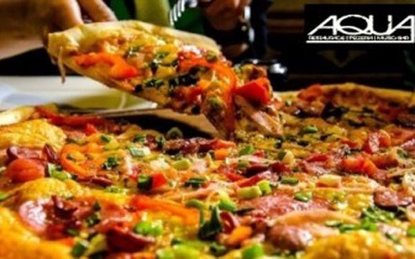 2 x PIZZA o průměru 32 cm v Restauraci AQUA - EDEN. 6 druhů na výběr. Možno vzít S SEBOU.