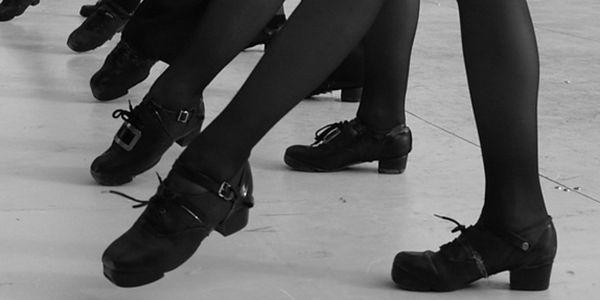 Kurz irských tanců - studio Happy Time Praha 3 - 20 týdnů. Pronikněte do rytmů svérázného tance. Již začínáme!