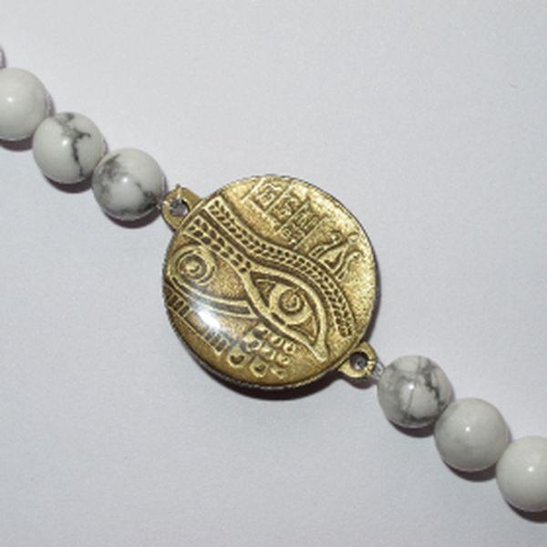 Osobní, ochranný šperk v podobě náramku, který tvoří amulet a kameny za úžasných 299,-