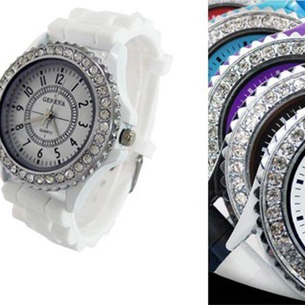 Luxusné hodinky GENEVA ORIGINAL so striebornými kamienkami z odolného silikónu pre pohodlné nosenie a dlhú životnosť!