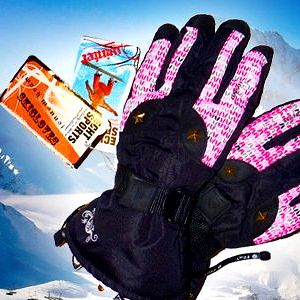 Lyžařské rukavice s fleecovou vložkou a stěrkou na brýle.