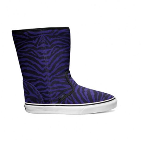 Stylová dámská zimní obuv - Vans SLIP-ON BOOT vycházející ze současných trendů