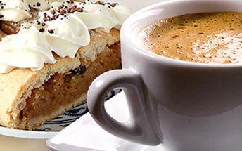 DVĚ espressa s mlékem a DVA dezerty dle výběru - jablečný závin nebo sachr dortík s domácí šlehačkou.