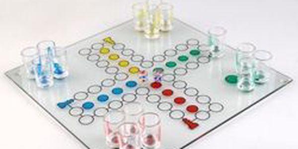 Zahrajte si se svými přáteli populární alkoholové člověče nezlob se! Zábava jen za 239 Kč!
