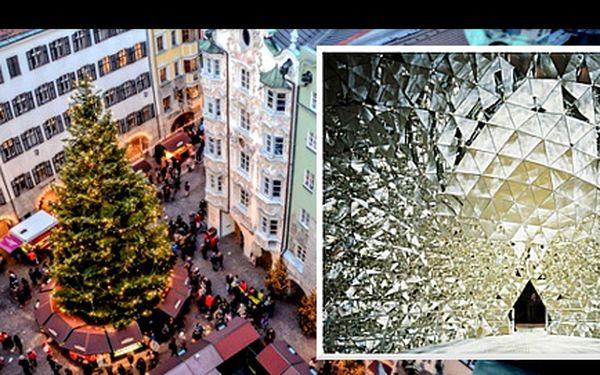 1denní ADVENT ve světě křišťálu SWAROVSKI a INNSBRUCKU se slevou 43 %: Nechte se okouzlit uměleckým třpytem Swarovski krystalů ve WATTENS a následně na sebe nechte dýchnout vánoční atmosféru hlavního města Tyrolska INNSBRUCKU.