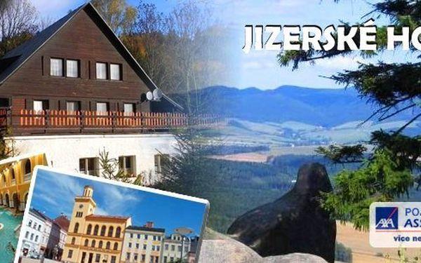 Pobyt v penzionu U Zvonu na 3 dny/2 noci pro 2 osoby + dítě do 15 let zdarma - večeře i snídaně pro všechny. Vyrazte do této překrásné lyžařské oblasti, nabízející maximální vyžití – sjezdovka 200 m od penzionu, běžky, snowboarding, procházky...