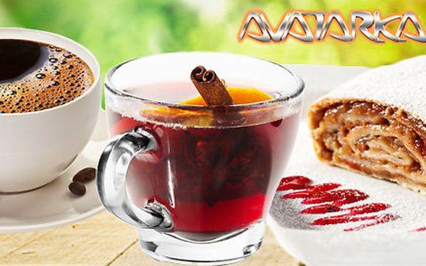 Dva svařáky nebo dvě kávy s domácím štrúdlem
