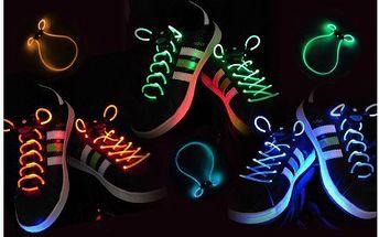 Pořiďte sobě nebo svojí ratolesti tyto jedinečné svítící LED tkaničky! 99 Kč za pár svítících tkaniček v původní hodnotě 329 Kč!!