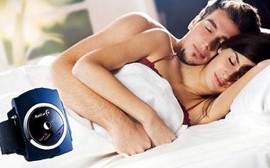 Skoncujte s chrápáním jednou pro vždy! Hodinky proti chrápání, které pomocí impulsů zastaví chrápání. Maximální komfort, bezpečí. Plnohodnotný a ničím nerušený spánek za 599 Kč včetně doručení po ČR zdarma!