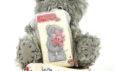 With Love - nejoblíbenější plyšový medvídek Me to You se solí do koupele.