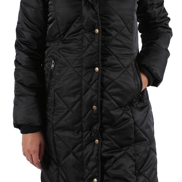 Originállní, zajímavý a opravdu teplý dámský zimní kabát b.young