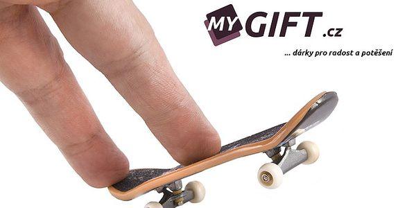 Fingerboard - miniaturní skateboard z kvalitního dřeva