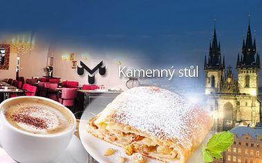 2x KÁVA dle výběru a 2x lahodný DEZERT na Staroměstském náměstí v restauraci U Kamenného stolu za skvělých 159 Kč! Adventní trhy se blíží! Užijte si vánoční, romantickou atmosféru staré Prahy! Sleva 60%!