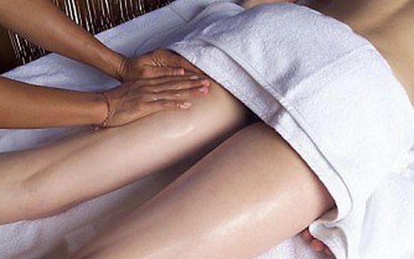 Skořicová prohřívající masáž zad a šíje nebo dolních končetin