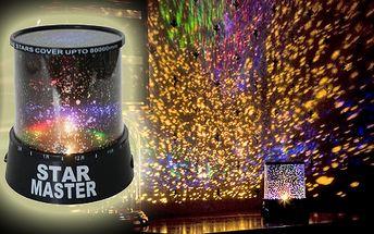 Projektor noční oblohy - LAMPA STAR MASTER. Krásná barevná a strhující podívaná přímo ve Vašem pokoji! Užijte si magickou noční oblohu.