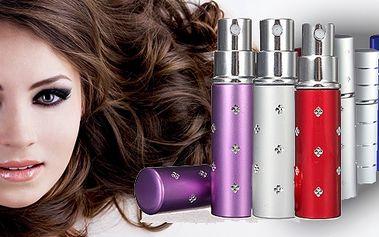 Elegantní flakonka o objemu 8 a 15ml. Doplněk do každé kabelky a nejen pro ženy! Až 80 střiků parfému!! Snadno vymyvatelný pro možnost výměny parfému! Mix barev! Sada 2 kusů!!