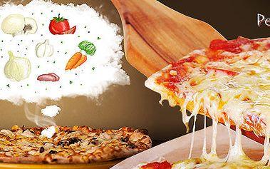 Dvě pizzy z italských ingrediencí