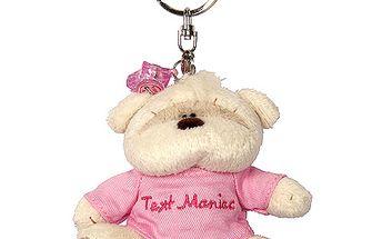 Plyšová klíčenka ve tvaru medvídka Fizzy Moon s růžovým svetříkem, Text Maniac