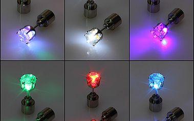 Svítící LED náušnice na párty - 1 kus a poštovné ZDARMA! - 35706145