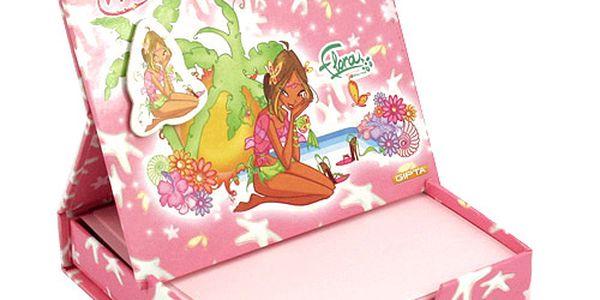 Poznámkový bloček Winx Club Poznámkový bloček s magnetkem Flora na pláži