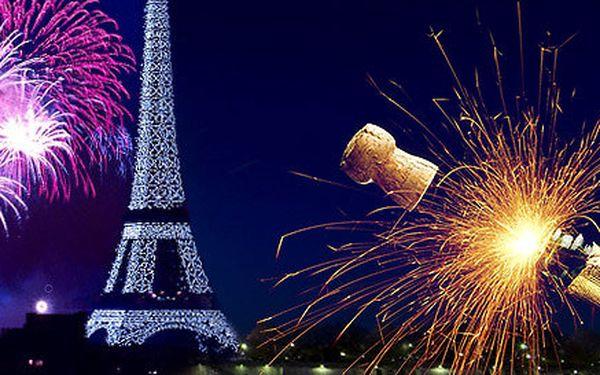 Silvestr v Paříži s noclehem u Versailles