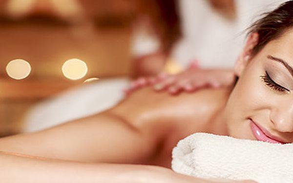 2hodinová relaxační masáž celého těla včetně indické masáže hlavy + DÁREK
