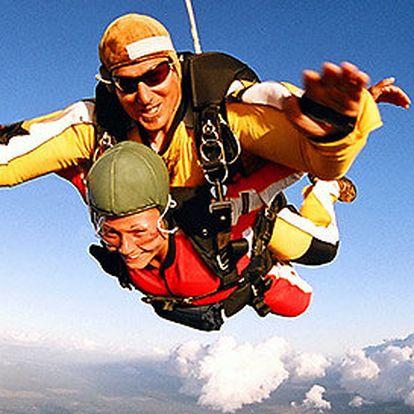 Tandemový seskok z výšky 4000 m nebo 6000 m