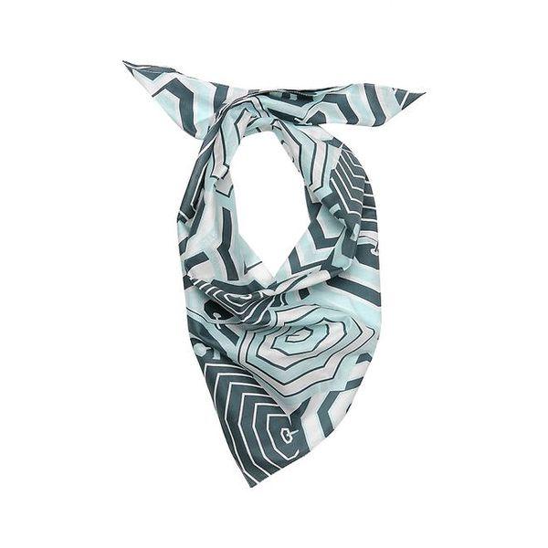 Dámský šátek s modrým vzorem Lacoste
