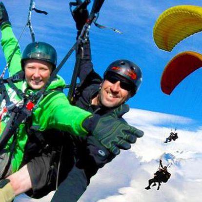 Tandemový paragliding nebo kurz paraglidingu nad Beskydami. Adrenalinový let pro 1 osobu na padákovém kluzáku. Poznejte Beskydy z ptačí perspektivy a kochejte se nekonečnými výhledy. Darujte dárek plný adrenalinu!