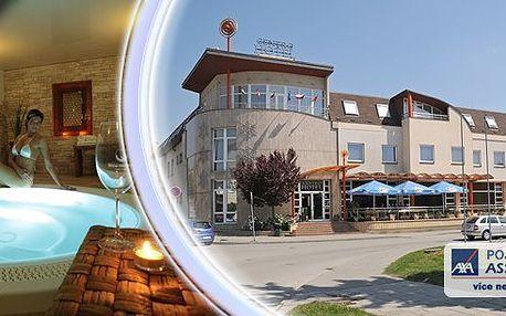 Relax & wellness pobyt ve 4* Wine Wellness Hotelu Centro Hustopeče pro 2 osoby na 3 dny. Večeře formou švédských stolů, vstup do Wine Wellness - finská sauna, solná vinná lázeň, parní kabina, kamenná bylinková lázeň, koupele a whirlpool!