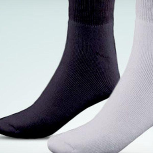 Teplé značkové ponožky Diadora: výhodné balení o 3 párech (bílé nebo černé)