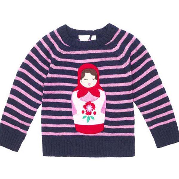 Krásný pruhovaný svetr s ruskou panenkou z příjemného materiálu