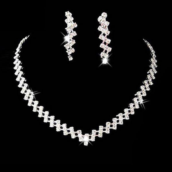 Sada náhrdelníku a náušnic v zajímavém designu a poštovné ZDARMA! - 35606541
