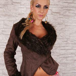 Luxusní dámský hnědý kabátek s jemnou umělou kožešinkou Queen O.F.