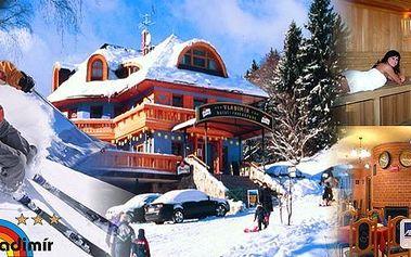 3denní lyžařský pobyt pro dva v Hotelu Vladimír přímo u dolní stanice kabinové lanovky. V ceně polopenze, skipas do SkiResortu ČERNÁ HORA - PEC (5 ski areálů), infrasauna a džbánek vína. Užijte si naplno lyžování, běžky i sáňkařskou dráhu.