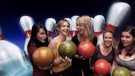 1 hodina BOWLINGU až pro 8 přátel za exklusivních 69 Kč! Pozvěte své přátelé do Billiard Bowling Clubu a užijte si bowling na profi dráze! Stále nevíte co podniknout? :-)