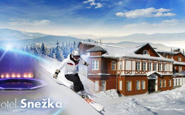 Exkluzivní 3 DNY PRO DVA v hotelu Sněžka**** ve Špindlu ! Využijte last minute nabídky a přijeďte zahájit lyžařskou sezonu ! V ceně snídaně, privátní sauna a mnoho dalších bonusů, nyní se slevou 48% jen za 2600,- Kč !!