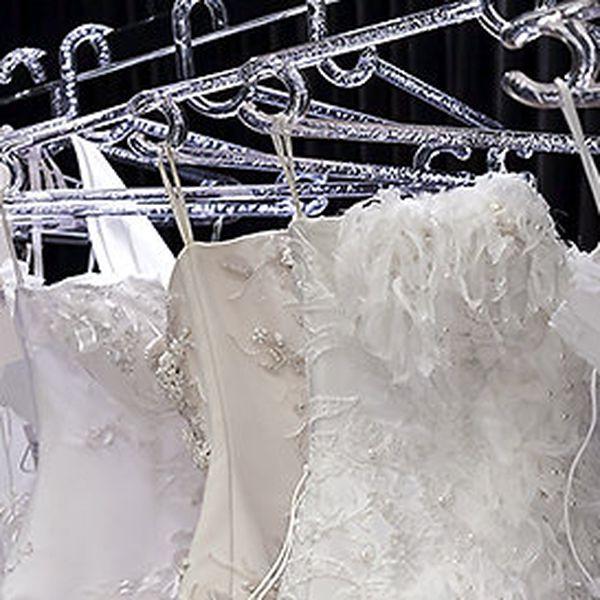 Sleva 1000 Kč na zapůjčení svatebních šatů