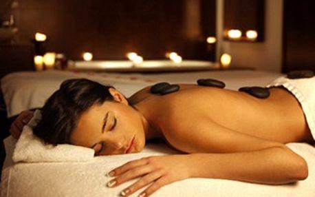 Luxusní masáž zad a šíje lávovými kameny nebo relaxační masáž zad a šíje či masáž nohou a rukou.