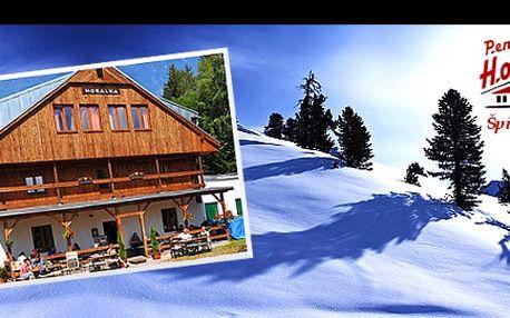 ŠPINDLERŮV MLÝN v SEZONĚ! Prodloužená platnost poukazu až do 31. 10. 2014! 3 dny pro 2 s POLOPENZÍ, LAHVÍ VÍNA a SAUNOU v oceňovaném pensionu HORALKA. Vychutnejte si pohádkovou dovolenou v samém srdci KRKONOŠ v zimě či v létě!