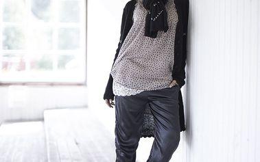 Ležérní látkové kalhoty z hedvábí s trendy sníženým pasem Black